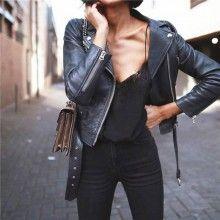 Geacă dama din piele ecologică de calitate neagră cu fermoare