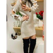 Rochie tricotată cu fundițe aplicate pe mâneci