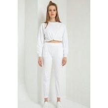 Trening dama alb cu pantaloni si bluza cu croi scurt