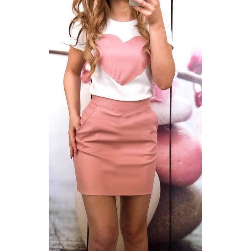 Compleu dama cu inima roz pal format din tricou si fusta masura L
